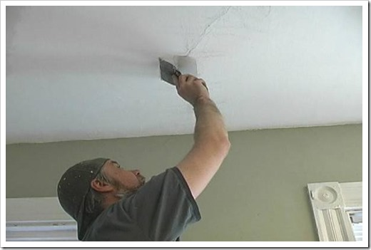 Как очистить потолок от клея?