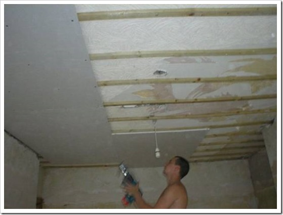 Как делать потолок из гипсокартона?