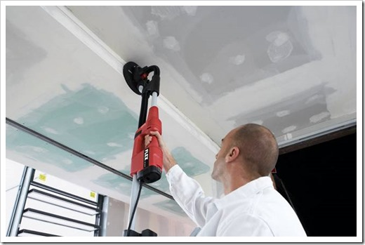 Как очистить потолок от краски?