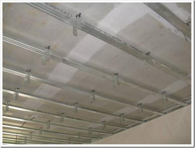 Как собрать потолок из гипсокартона?