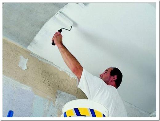 Как побелить потолок водоэмульсионной краской?