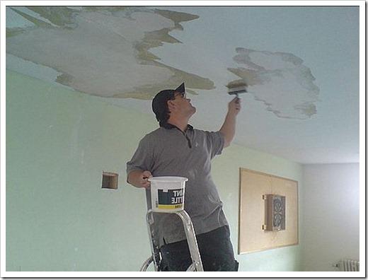 Как шпаклевать бетонный потолок?