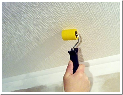 Сколько нужно обоев на потолок?