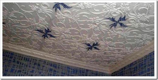 Лепнина на потолке из пенопласта.