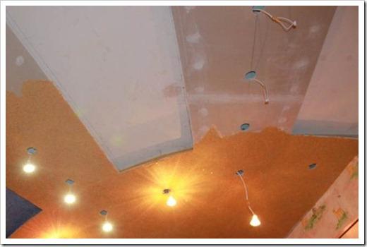 Рисунок на потолке жидкими обоями