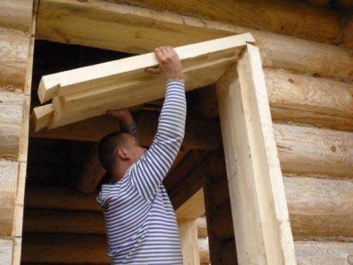 Как устанавливать двери в деревянном доме