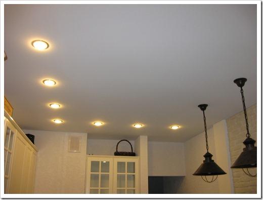 Разновидности потолков: классификация по типу подсветки