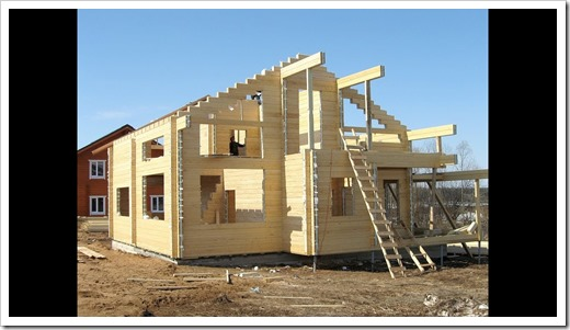 Как выглядит процесс строительства дома из клеёного бруса со стороны?